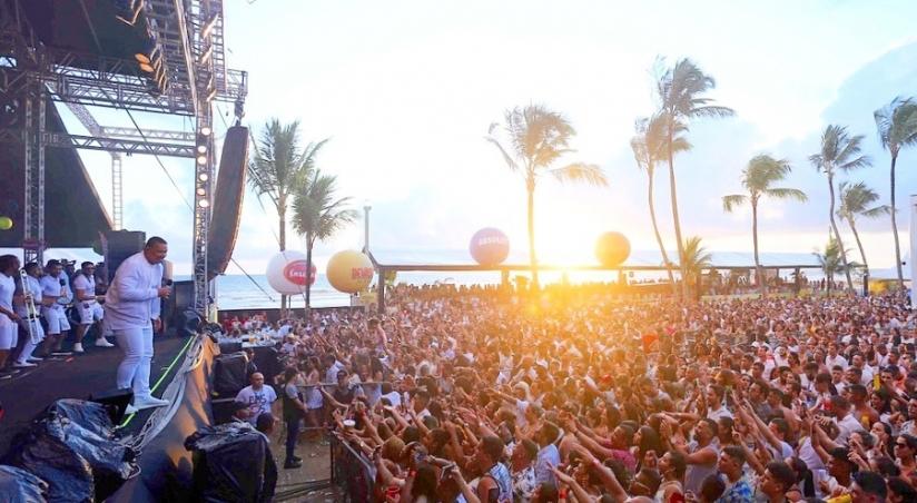 Festas-de-Ano-Novo-6-Fonte-Facebook-Batuba-Beach_824x452_acf_cropped