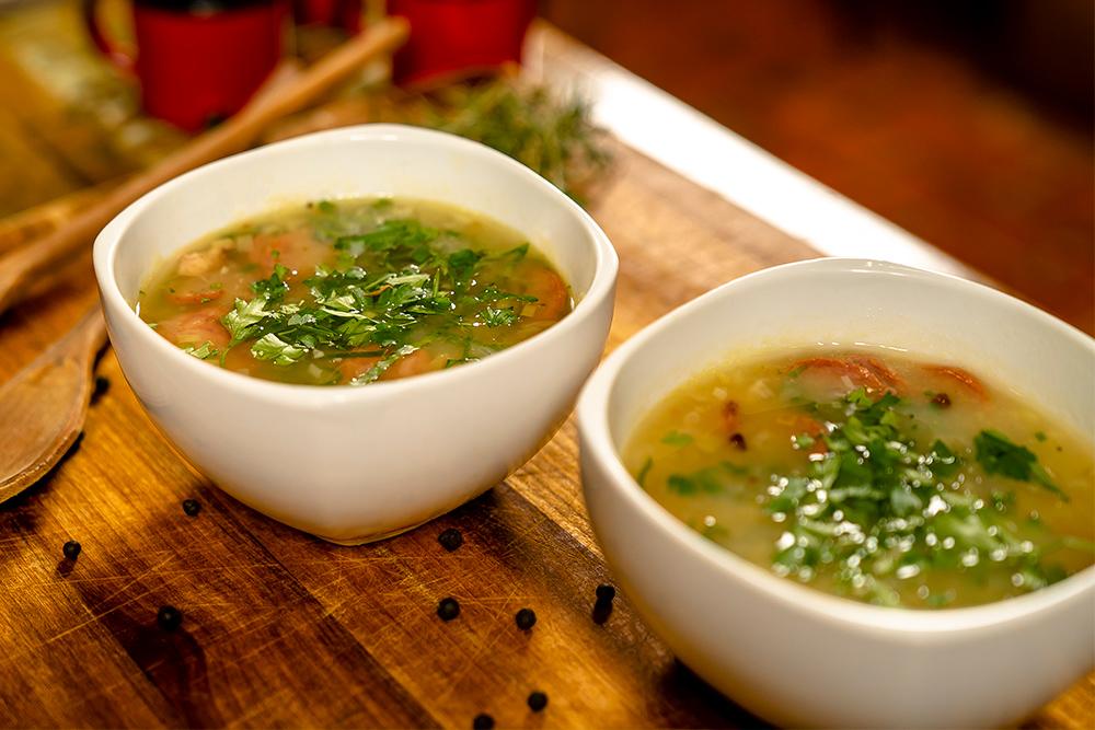 Receita de Caldo de Linguiça Calabresa e Bacon Saudali